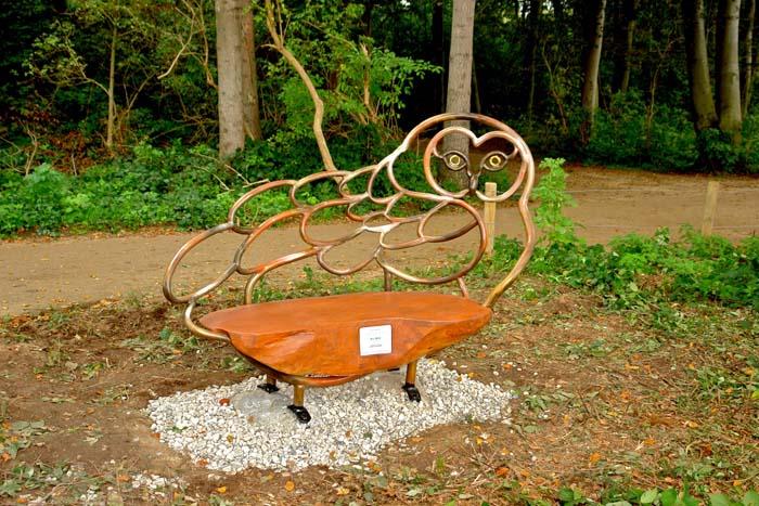 """""""Travemünder Sessellandschaft"""", Eule, 2010/11, Brodtener Ufer"""